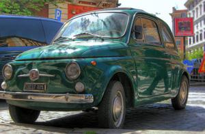 Green-Fiat-500-In-Rome
