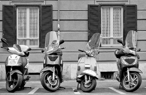 Scooters-In-Roma