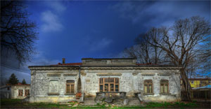 derelict-house-HDR