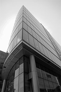 Black-and-white-business-building-in-London