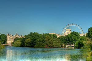 Saint-James-park-in-London-and-Millennium-Wheel