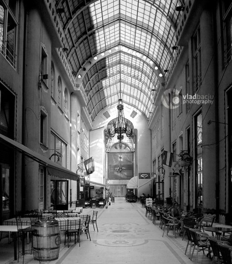 Black-Eagle-Passage-in-Oradea---ROMANIA