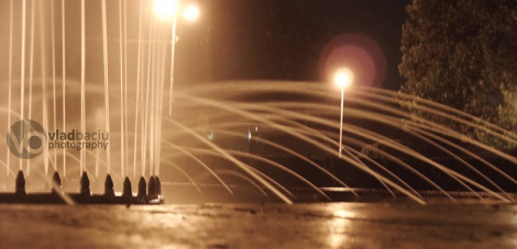 fountain-in-the-night