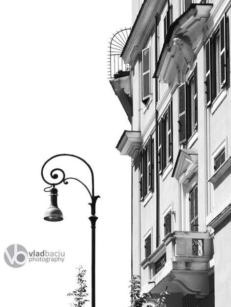 building-and-vintage-street-light