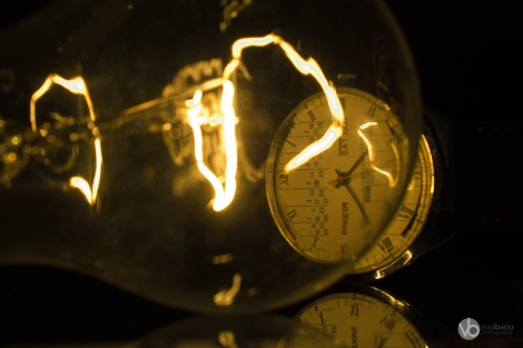 fine-art-photos-for-prints-Incandescent-light-bulb-with-a-Raketa-watch-close-up_01