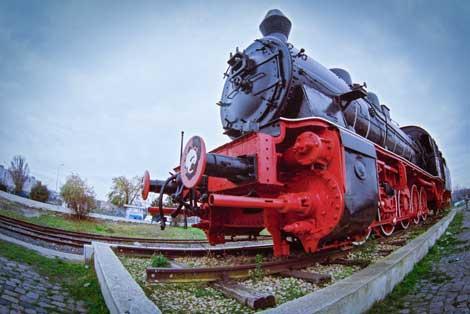 Old-steam-locomotive